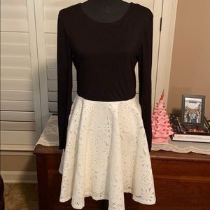 Jodi Kristopher Dress Long Sleeve Black & Ivory